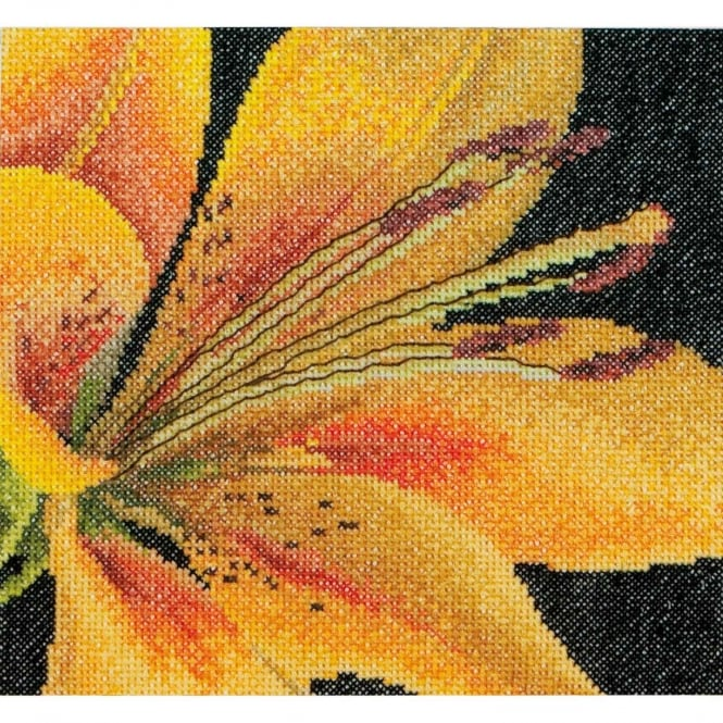 486A Thea Gouverneur Lily Cross Stitch Kit