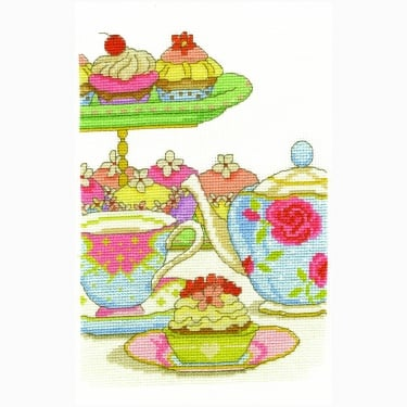 Cupcake O' Clock Stitch Kit